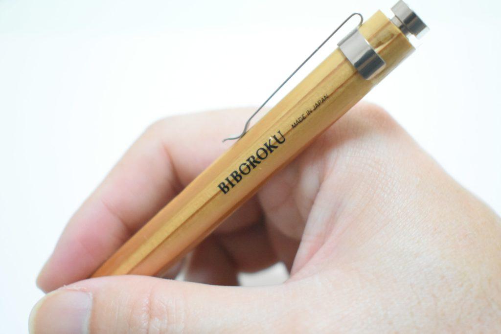 木のボールペン